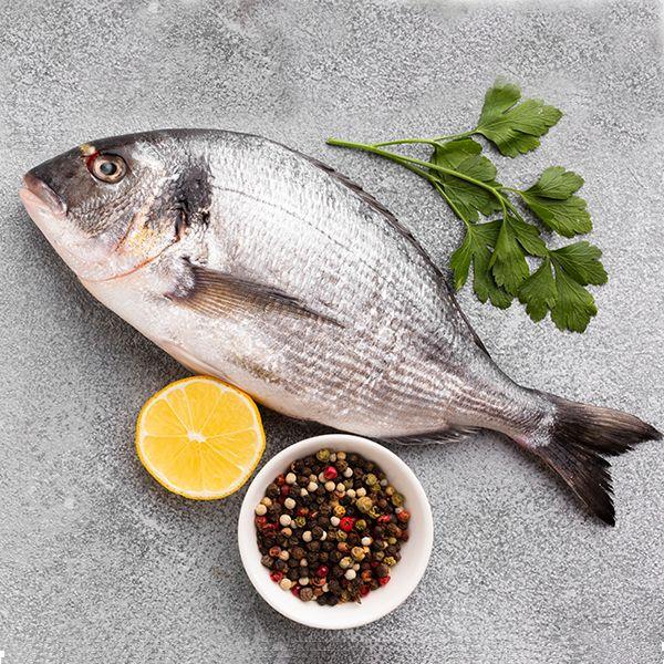 Fresh Sea Bream / باس البحر الطازج